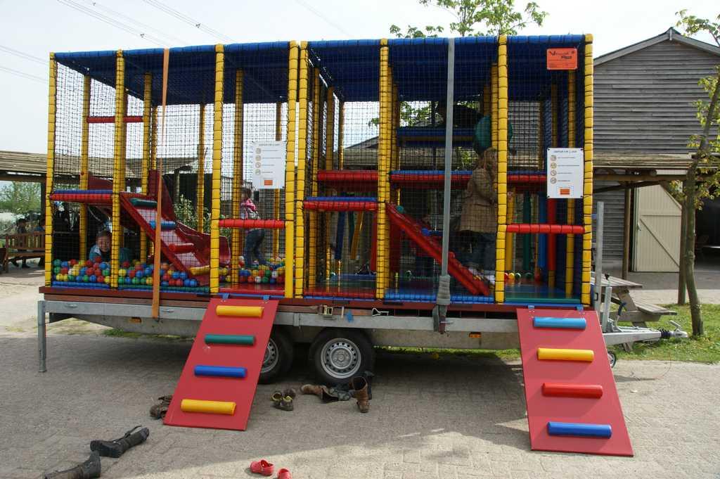 Ballenbad Speelwagen