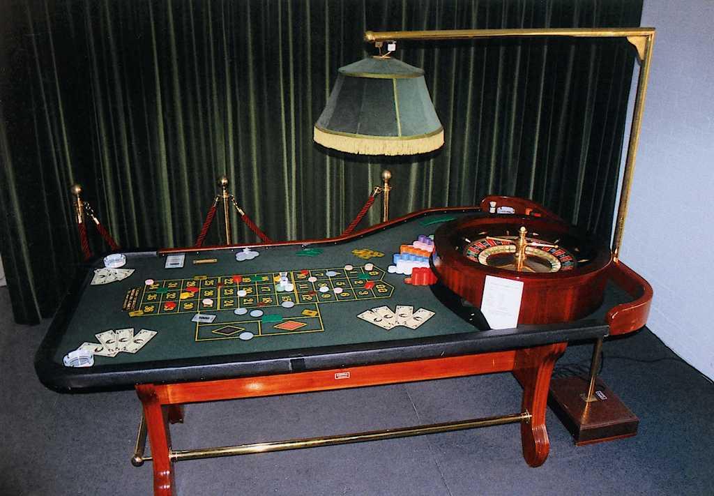 Roulette Tafel Huren : Roulette tafel luxe heesbeen attractieverhuur